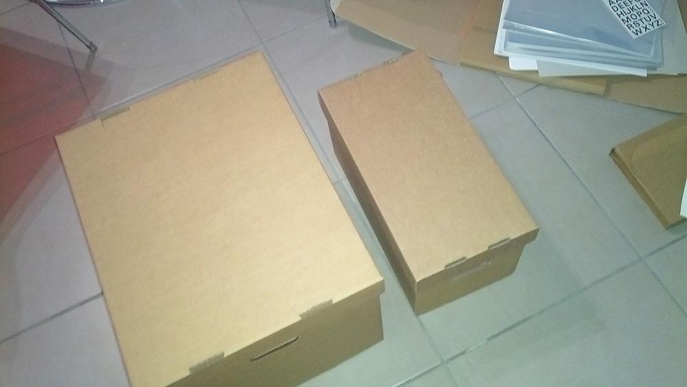 Les deux boites montées et prêtes à recevoir des disques vinyles