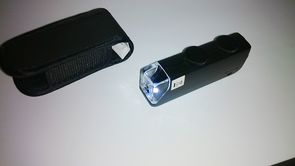 Le microscope de poche utilisé...